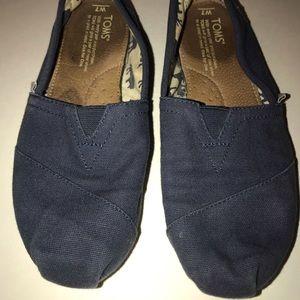 TOMS Shoes women's size 7